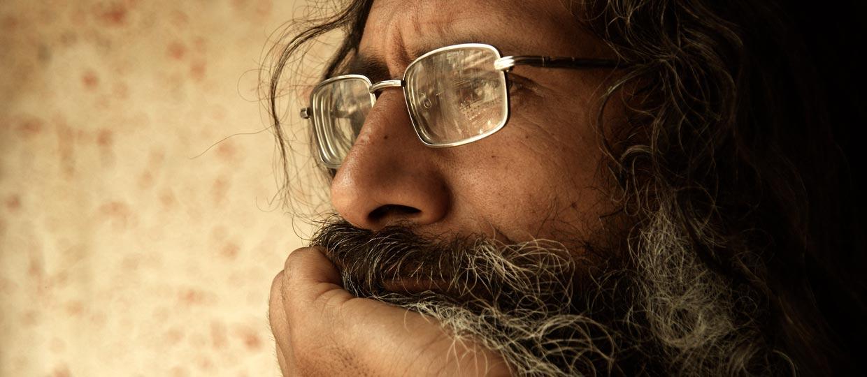 http://www.sadhu-lefilm.com/wp-content/uploads/2012/07/SÂDHU-Suraj-Baba1.jpg