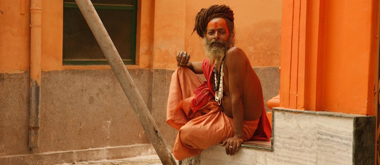 http://www.sadhu-lefilm.com/wp-content/uploads/2012/07/SADHU-Sadhu-rasta.jpg
